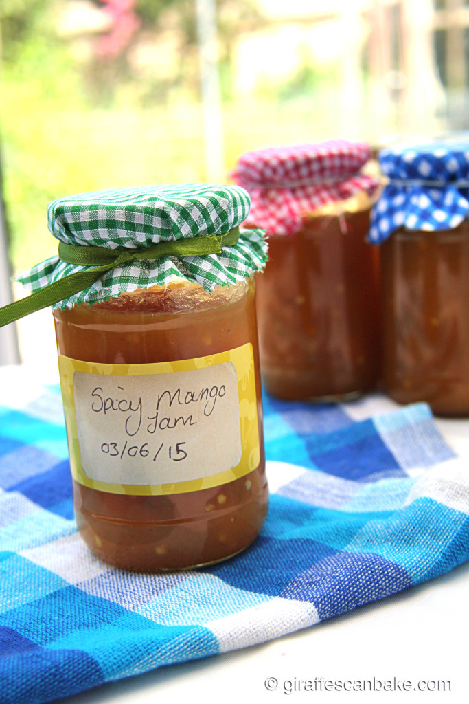 Spicy Mango Jam by Giraffes Can Bake - easy, delicious homemade jam with sweet mangoes and spicy serrano peppers. Great for spreading, baking and gift giving